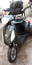 Triciclo elétrico para deficientes