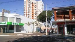 8118 | Apartamento à venda com 2 quartos em Zona 03, Maringá