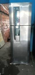 Vendo essa geladeira Electrolux   frostfree