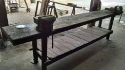Bancada -Madeira Maciça com pés de ferro