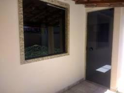 Alugo Casa com um quarto no Pq Boa Vista