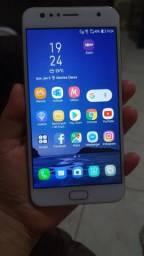 Asus zenfone selfie 4- 64 GB de memória