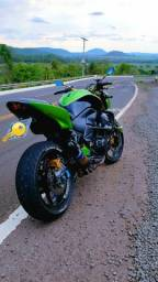 Vendo ou troco Kawasaki Z750