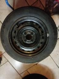 Vendo pneu aro 14  185 e 165