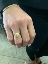 Anel com 2 gramas de ouro artesanal