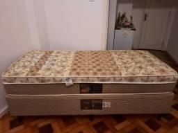 Vendo cama box de solteiro Castor