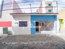 Casa com 2 quartos para alugar, 130 m² por R$ 2.000/mês - Heliópolis - Garanhuns/PE
