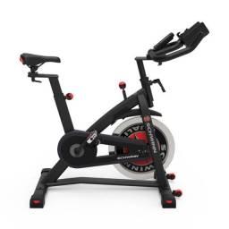 Bike vertical residencial / semi profissional spinning Schwinn IC3 / IC7 nova