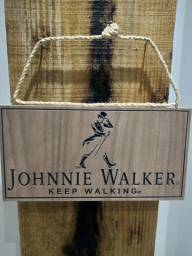 Placa entalhada Johnnie Walker