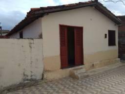 Casa na rua de acesso ao Erasmo dias no Maiobão