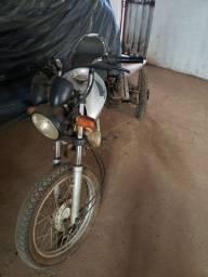 Moto triciclo agrícola