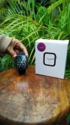 Relógio smartwatch x8 faz e recebe ligações.