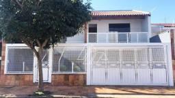 Título do anúncio: Casa com 3 dormitórios à venda, 252 m² - Jardim América