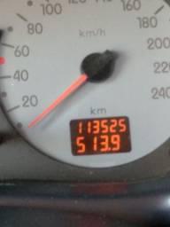 Vende-se Clio Sedan 1.6 16v. Privilege Gasolina 2004 110CV