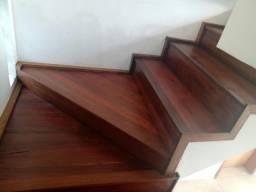 Escada madeira de asoalho
