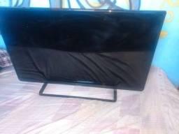Tv 42 Panasonic pouco usada  pegando tudo
