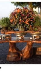Mesa de madeira maciça rústica