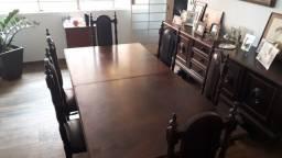 Mesa de Sala com 8 Cadeiras