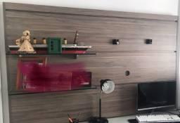 Painel de TV com suporte de vidro