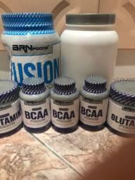 Proteína complementar para treino em pó para atletas e praticantes de atividade física.