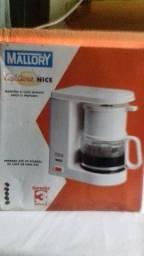 CAFETEIRA MALLORY BRANCA