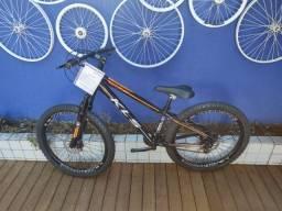Bicicleta aro 26 KLS com suspensão