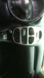 Vendo Peugeot com motor batido - 2000