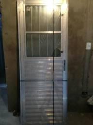 Vendo porta de aluminio