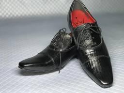 Sapatos modelo italiano 100% couro