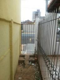 Alugo Casa de Fundos no Centro de Rio Verde/GO