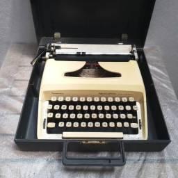 Fantastica escrita em manuscrito Maquina de datilografia antiga