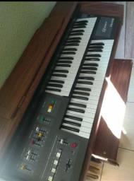 Vendo órgão musical