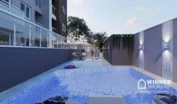 Apartamento com sacada e com piscina na área comum próximo ao Centro de Maringá-PR