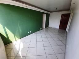 Largo do Pechincha ,vazio, sala , 2 quartos, vista livre , sol da manhã.