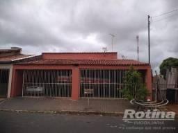 Casa à venda, 3 quartos, 2 vagas, Jardim das Palmeiras - Uberlândia/MG