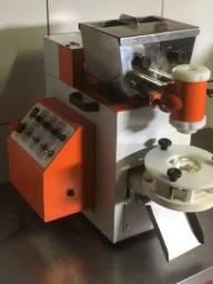 Máquina de Fabricar Salgados