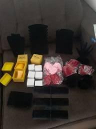 Expositores de jóias e assessórios