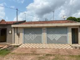 Vendo casa com 3 quartos no Jardim Santarém