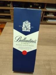 Whisky Ballantines Finest 750ml e Johnnie Walker Red Label 1 L