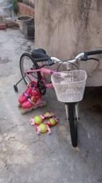 Vendo bicicleta semi nova,com patins usado apenas uma vez completo!!!