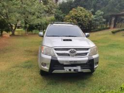 Vendo Toyota Hilux 3.0 4x4 automática
