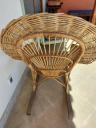 Cadeira de balanco de vime