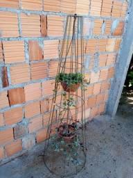 Suporte com plantas