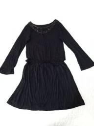 Vendo um vestido preto usado poucas vezes