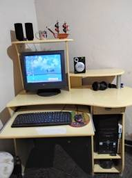 Vendo ou troco Computador de mesa com rack. ACEITO PROPOSTA POR TV.