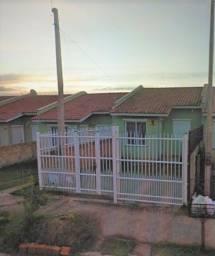 Casa 2 dormitórios com pátio São Luiz 68