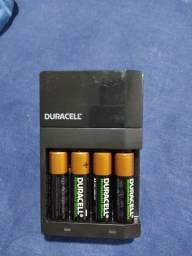 4 pilhas recarregaveis com carregador