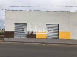 Loja para alugar, 60 m² por R$ 1.750,00 - Residencial Pequis - Uberlândia/MG