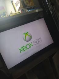 Vendou ou troco Xbox 360 (bloqueado) funcionando perfeitamente.