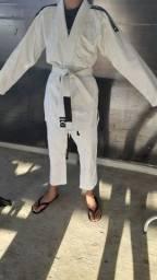 Kimono taekwondo 130reais